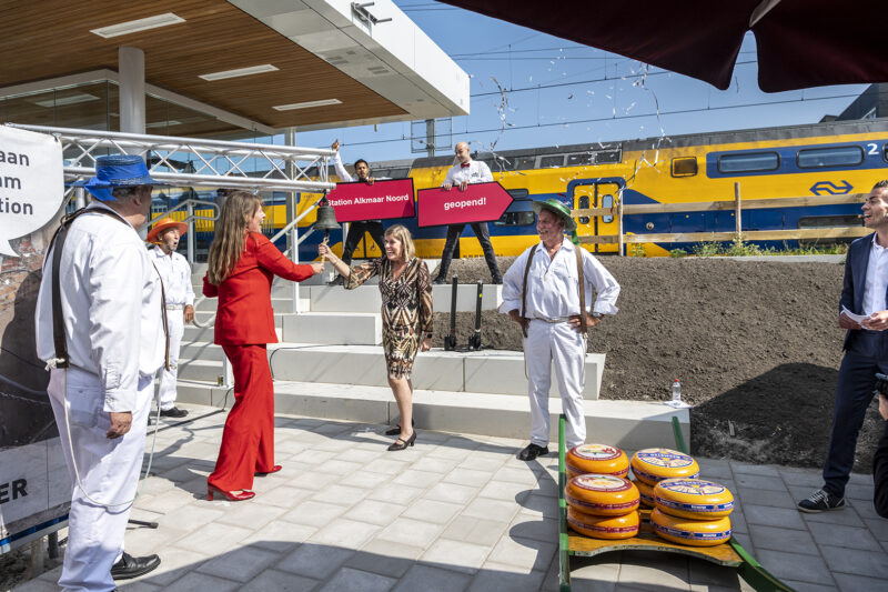 Alkmaar Noord officially opened - small train station addresses major themes